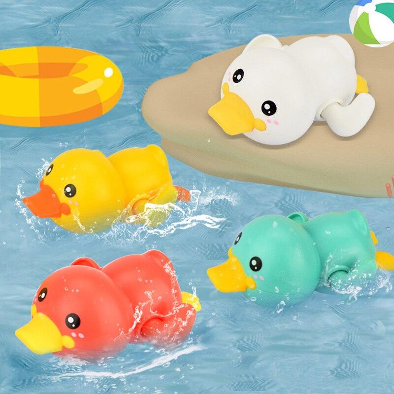 Baby Swimming Pool Shower Bath Toys Cute Animal Duck Wind Up Chain Bathing Clockwork Bathroom Game Water Toys Oyuncak 040L