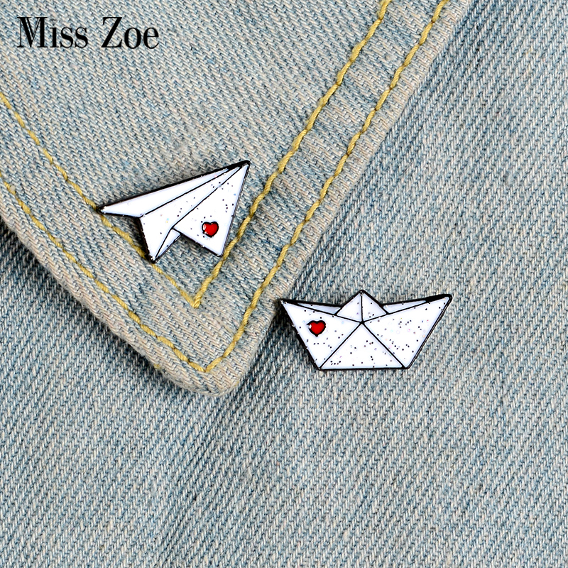 Custom Lapel Pin Brooches Choose Kindness Inspirational Quote Banquet Badge Pins Trendy Accessory Jacket T-Shirt Bag Hat Shoe