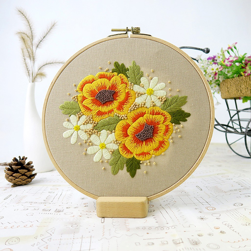 Full Range of Embroidery Cross Stitch Stamped Embroidery Cloth with Floral Kit