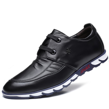 цена на Vulcanize Sneakers New Fashion Men Loafers High Quality Lace-Up Mens Shoes Casual Hot Sale Male Handmade Shoes F0086