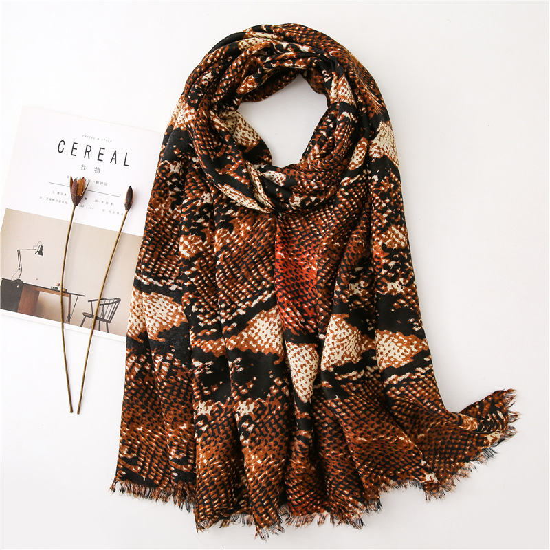 2019 New Design Snake Skin Fringe Viscose Shawl   Scarf   Women High Quality Neckerchief Autumn Winter Foulard Muslim Hijab Sjaal