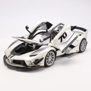 Image 2 - 1:18 Schaal Top Versie Voor Ferraried Fxxk Sport Auto Model Diecast Legering Auto Speelgoed Model Met Stuurbediening Met doos