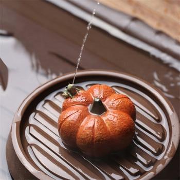 Yixing סגול חימר דלעת צפרדע תה לחיות מחמד בעבודת יד בית תה קישוט יצירתי קטן אפרסק קישוטי מים תרסיס תה טקס
