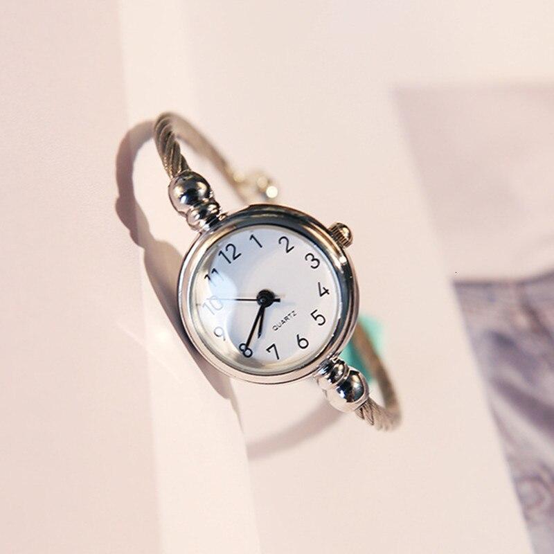 Image 2 - Luxury Women Watch Bracelet Simple Fashion Female Clock Simple Quartz Wrist Watch Women relogio feminino reloj mujer 2019-in Women's Watches from Watches
