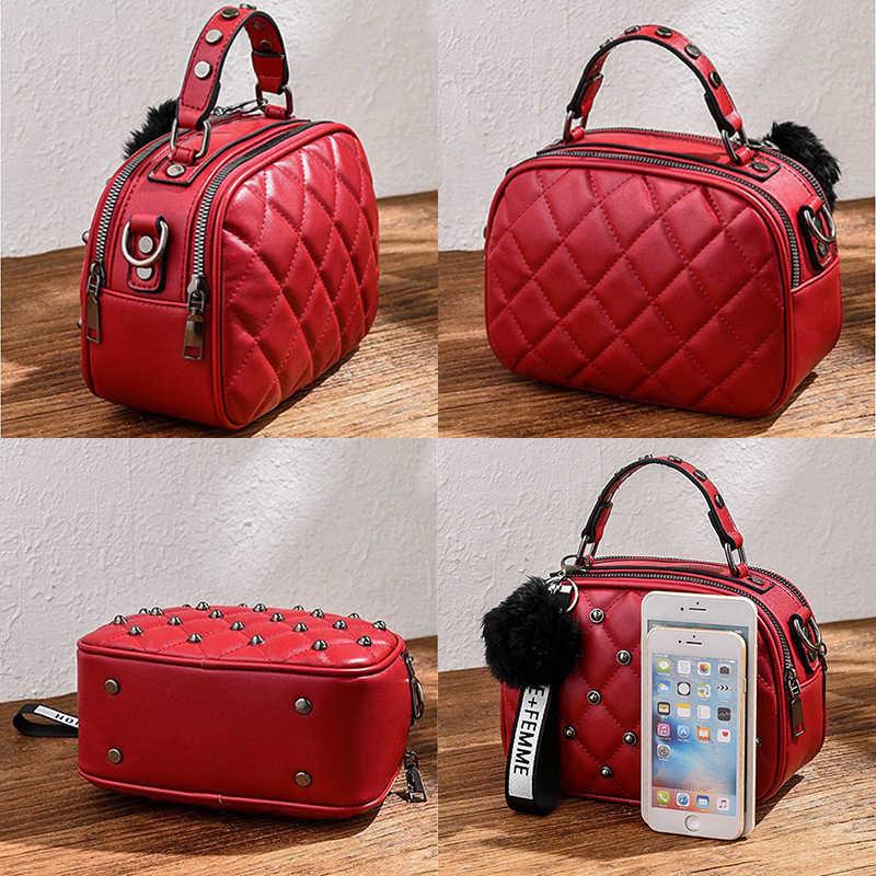 Mini PU Leder Umhängetaschen Für Frauen 2020 Haar ball Schulter Messenger Tasche Damen Kleine Niet Handtaschen Reise Hand Tasche