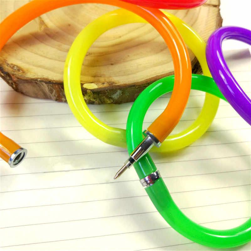 1 stücke Pistole Geformt Stift Party Favor Farbe Armband Design Kugelschreiber Lustige Geschenke Handgelenk Ball Stift Büro & studie Flexible Stift