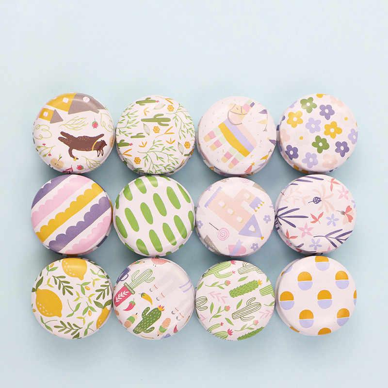 1PC Baru Mini Elegan Bunga Tin Box DIY Jar Lilin Balm Bulat Besi Kosong Kotak Portable Lipstik Zipper Cream kotak Penyimpanan Logam