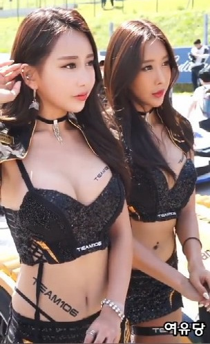 CJ超级赛韩国甜美车模大秀梦幻雪乳