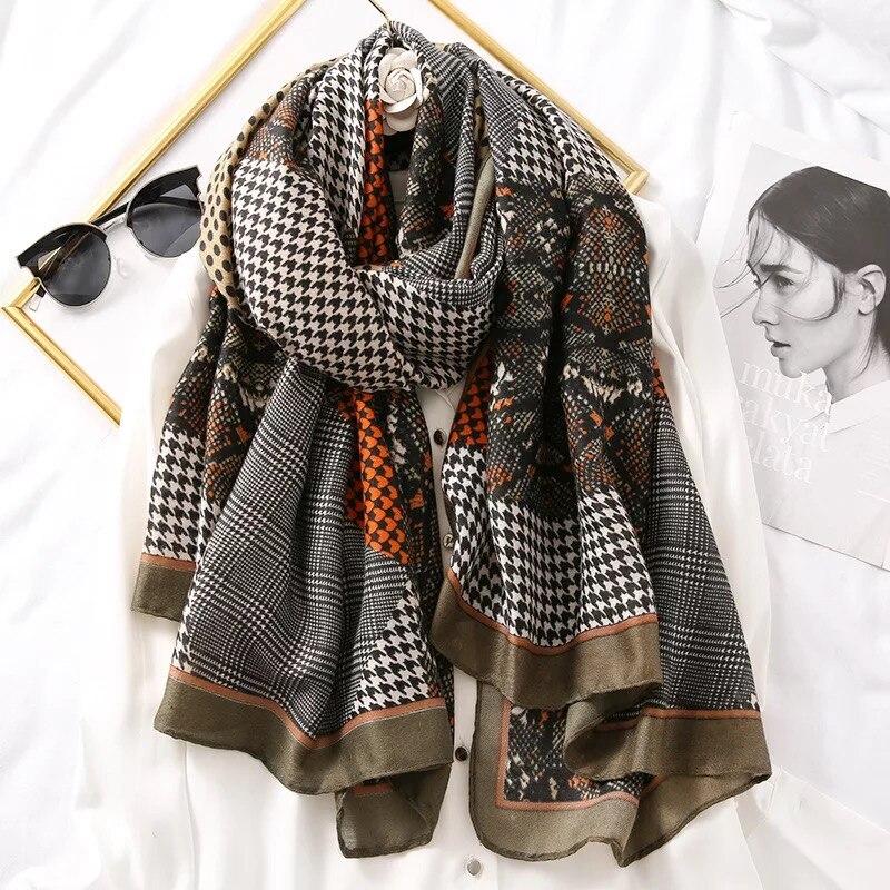 Image 4 - Luxury brand scarf leopard women Soft Pashminas shawl cotton silk  scarves Sjaal muslim hijab,animal print leopardo stole bandanaWomens  Scarves