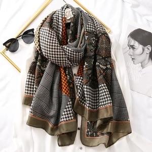 Image 4 - Luxus marke schal leopard frauen Weiche Pashminas schal baumwolle seide schals Sjaal moslemisches hijab, tier druck leopardo stola bandana