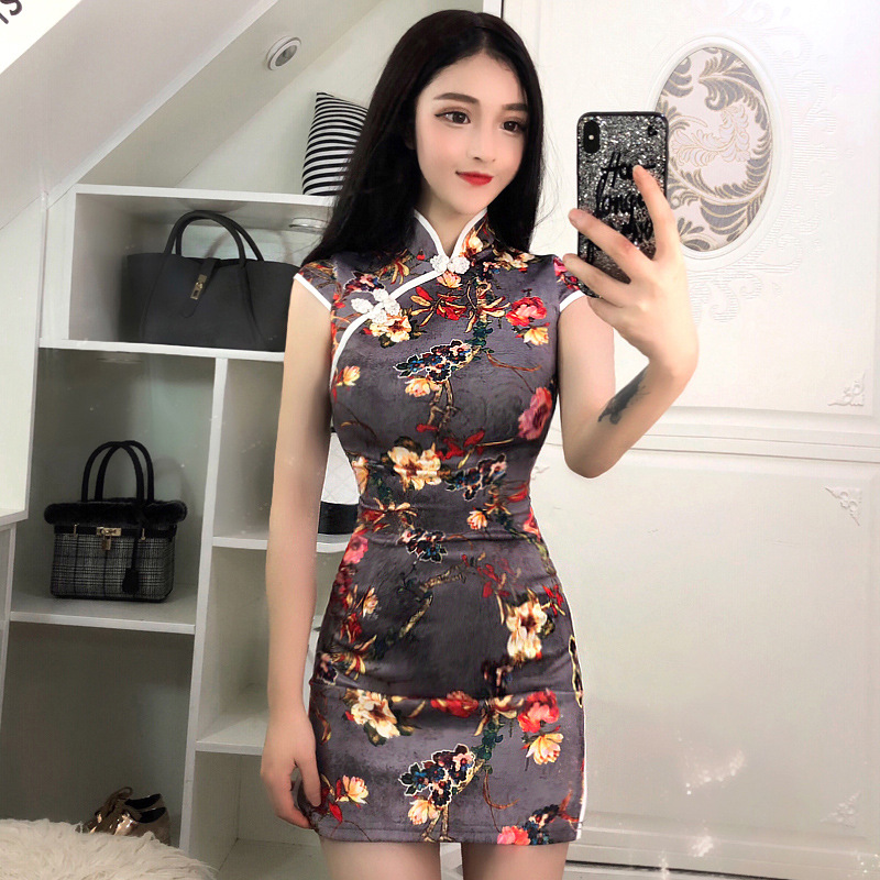 2020 Chinese Party Dress Oriental Mandarin Collar Qipao Sexy Lace Long Robe Retro Bodycon Satin Dress Backless Hollow Out