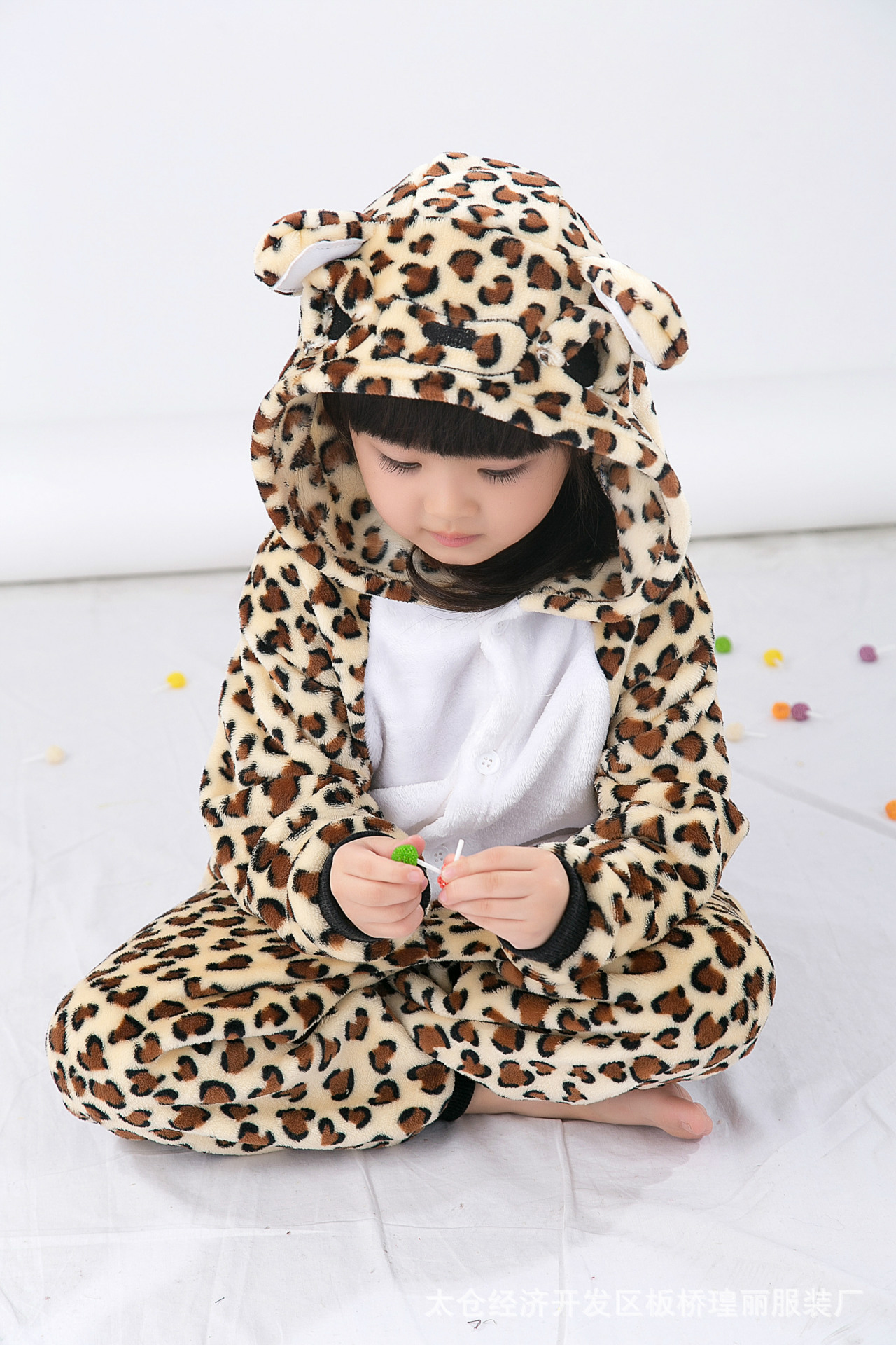 Children Cartoon One-piece Pajamas Leopard Bear Men And Women Thick Flannel Toilet Edition Home Wear Costume