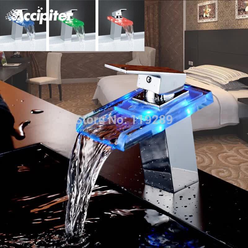 Salle de bain cascade robinet à LED. Robinet de lavabo en laiton cascade en verre. Mélangeur de salle de bain robinet mitigeur de lavabo monté sur le pont