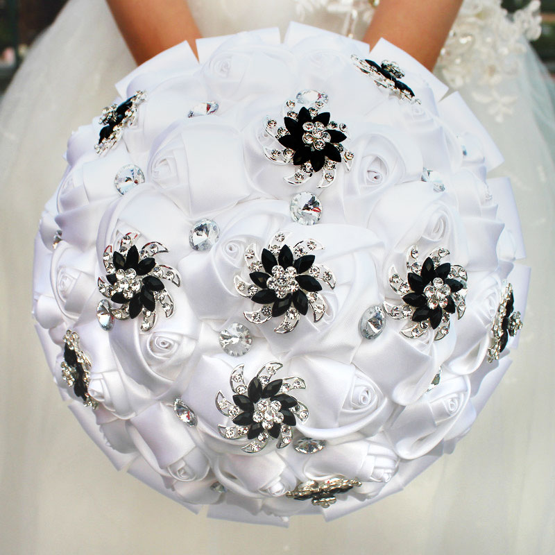 WifeLai-A Pure White Rose Flower Black Brooch Wedding Bouquets Buque De Noiva Bridal Crystal Wedding Bouquets Flowers Custom