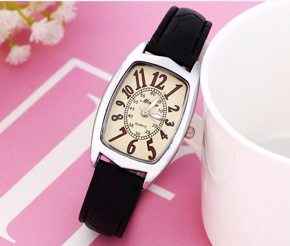 Ms Popular Leisure Fashion Square Watch Students Casks Little Red Table Gift Table