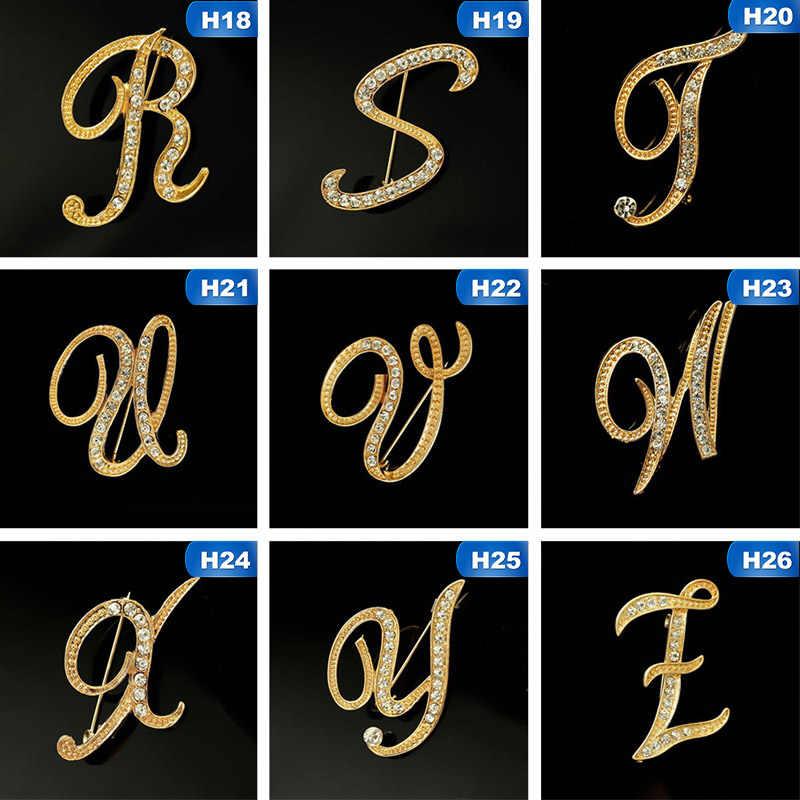 2020 1 Pc Nuovo di Modo Del Rhinestone 26 Inglese Lettere Spille Colore Dorato Spille Personalità di Tendenza di Abbigliamento Accessori per I Regali di Donne