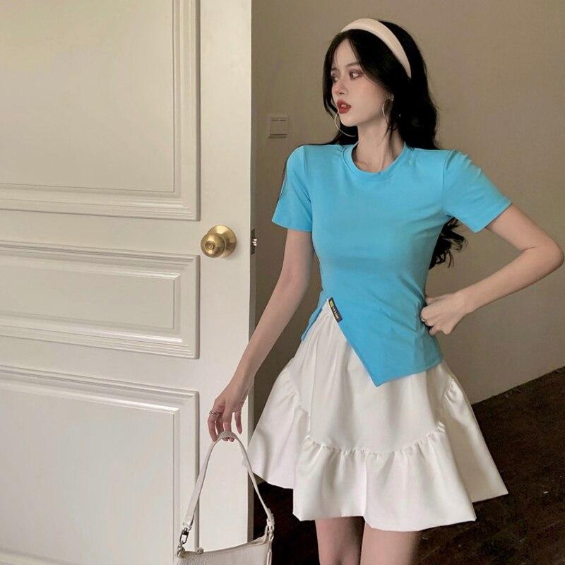 Летний костюм для женщин, новинка 2021, дизайнерская футболка с коротким рукавом в Корейском стиле и короткая юбка с высокой талией, модный ко...