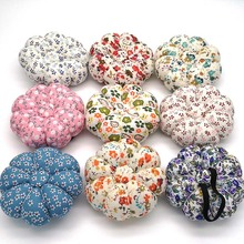 1pc Wrist Cross Stitch Needle Sewing Pin Cushion Button Strap Holder for Needlework Accessory Random Color