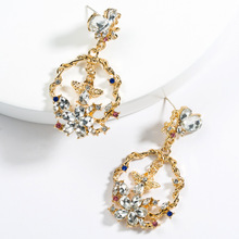 2019 Vintage Baroque Style White Resin Flowers Bees Women Dangle Earrings Jewelry Fashion Ladys Collection Accessories