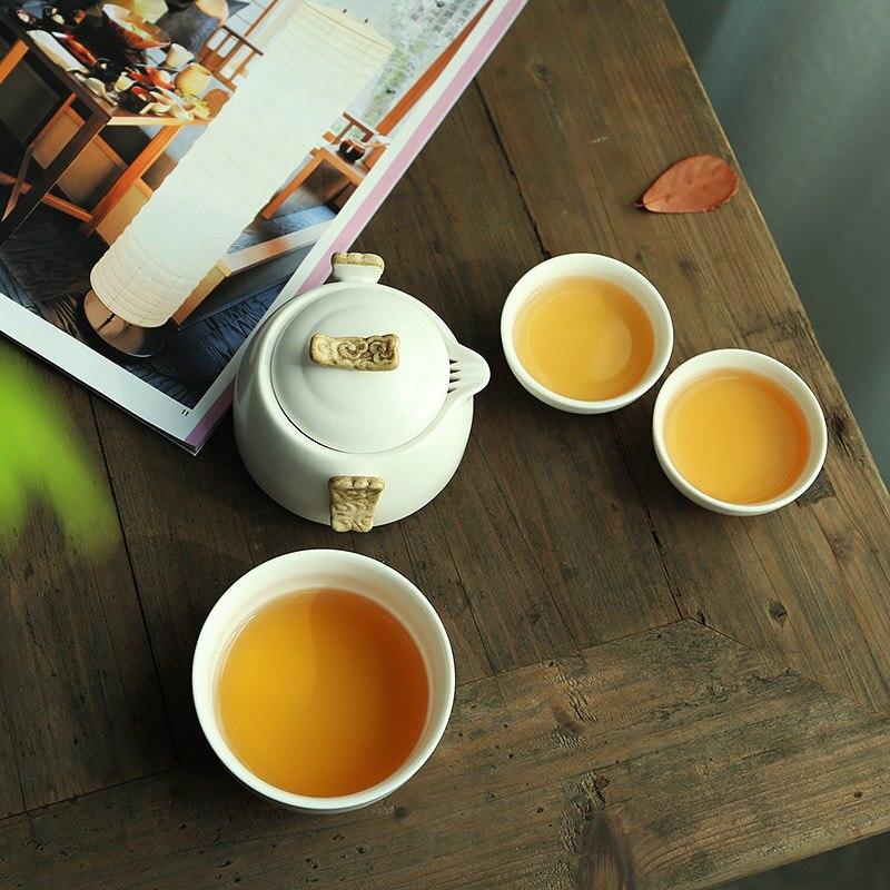 Image 2 - Chińskie Kung Fu zestaw herbaty biały porcelany dzbanek ceramiczny mat wiązki garnek japoński gospodarstwa domowego filiżanki do herbaty przenośny na zewnątrz podróży GaiwanZest. naczyń do herbaty   -