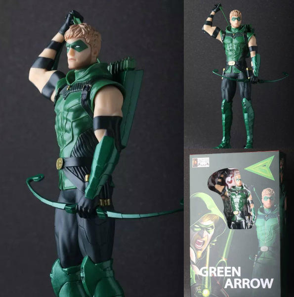 NO.TQ1001 TV Movie Hero Figures Movable Plastic With Leather Bow Green Suit