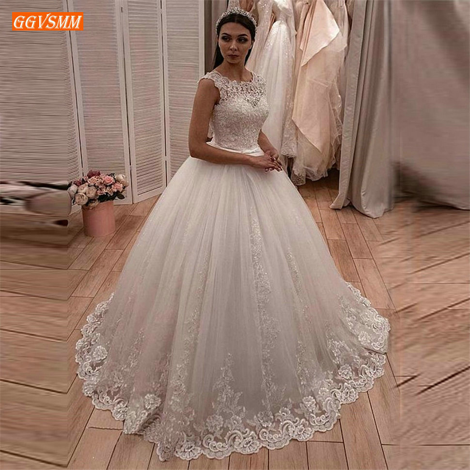 Delicate Princess White Wedding Gowns Backless Lace Applique Ball
