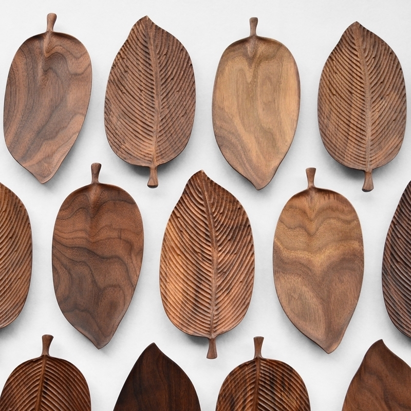 Musowood Wooden Leaf Tray For Tea Set Cup Fruit Snake Dessert Home Decoration For Hotel Office Black Walnut Leaves Plate Sample