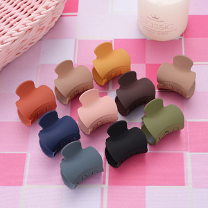 1PCS New Cute small solid color geometric Acrylic Hairpins Hair Clip Crab For Women Girl Clamp Hair Accessorie Headwear