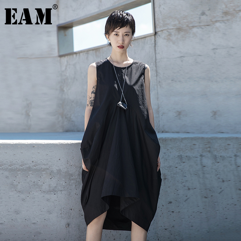 [EAM] Women Black Pleated Split Joint Temperament Dress New Round Neck Sleeveless Loose Fit Fashion  Spring Summer 2020 1S678