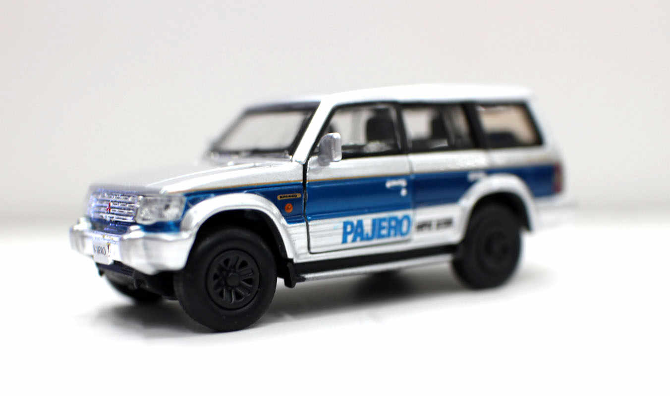 Diecast Masters Mitsubishi Pajero Super Exceed White 1//64 Scale Car 2 Door Open
