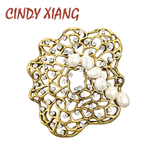 CINDY XIANG Rhinestone And Fresh-water Pearl Geometric Brooches For Women Vintage Fashion Pin New Design Coat Accessories