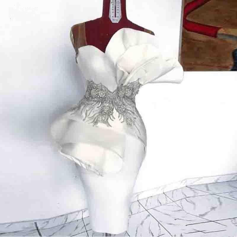 Amazing White Ruffles Mini Short Cocktail Dresses Appliques Waist Peplum Strapless Sheath Prom Evening Gowns Arabic Vestidos