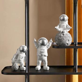 Kawaii zabawka dziecięca astronauta mały obraz Nordic Mini Mars astronauta dekoracja stołu dekoracja salonu rzeźba z żywicy tanie i dobre opinie lalki Dla osób dorosłych Adolesce MATERNITY W wieku 0-6m 7-12m 13-24m 25-36m 4-6y 7-12y 12 + y 18 + CN (pochodzenie) Unisex