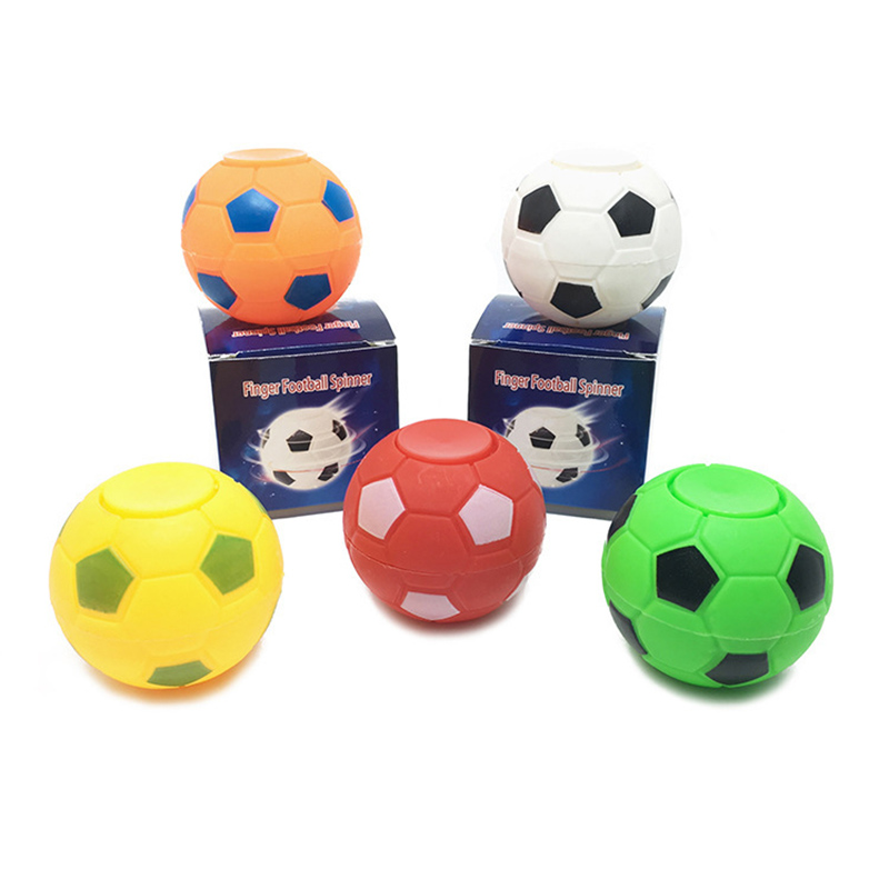 Fingertips Rotation Football Souvenir Children's Football Game Gifts Promotional Gifts Vent Decompression Toys Multicolor Random