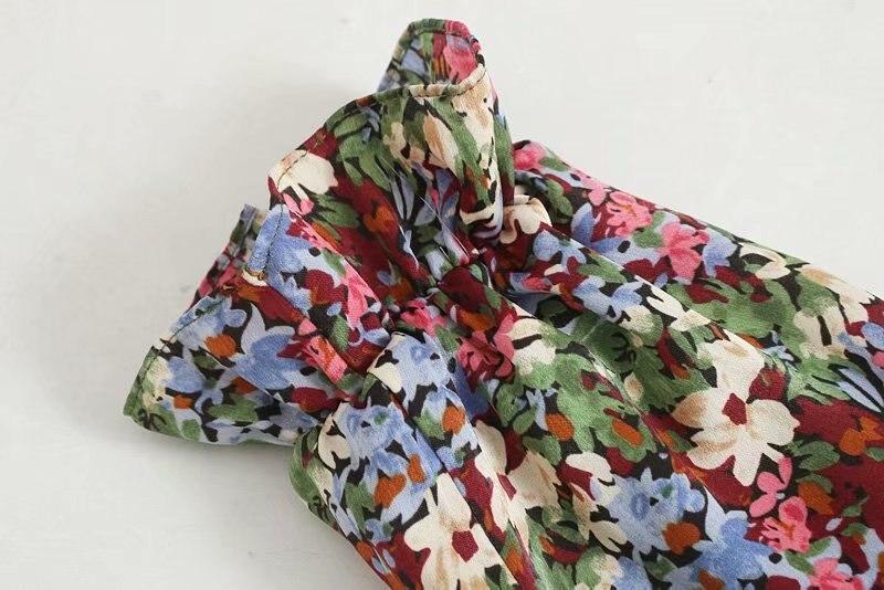 de manga longa e decote redondo, multicolor, estampado floral, ozz9369