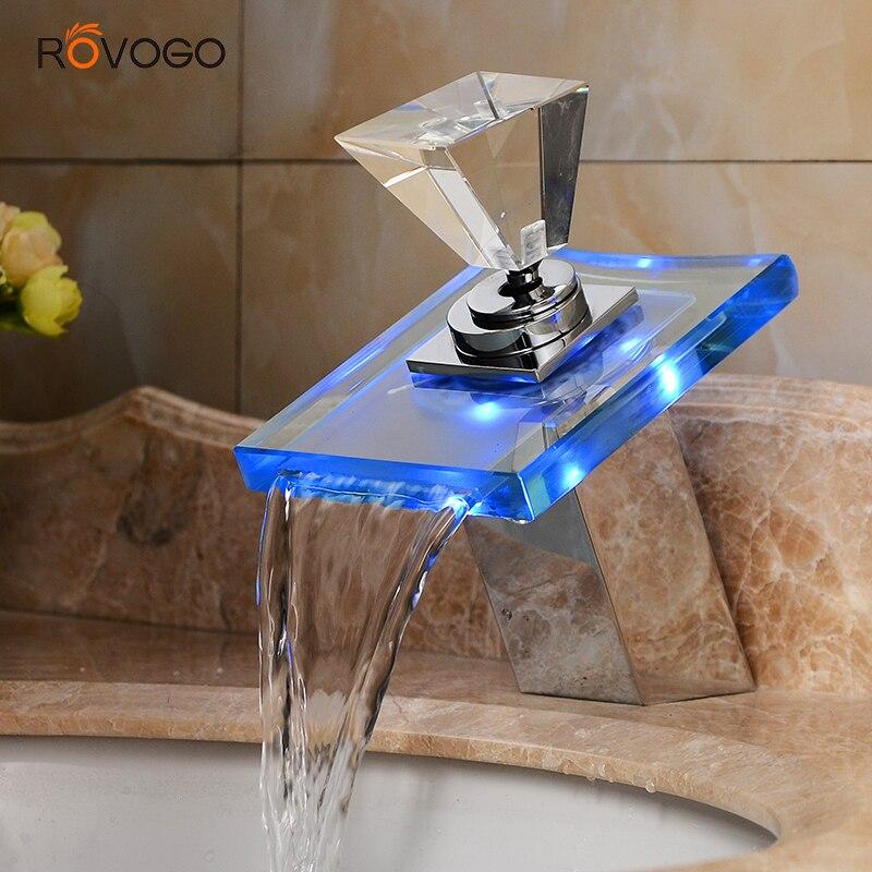 Robinets de cascade de robinet de bassin de lumière LED, 3 couleurs changent le robinet simple d'évier de salle de bains d'eau de pont de trou