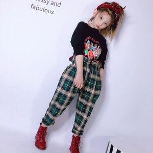 Модный комплект для маленьких девочек, весна 2020 г., новинка, футболка с длинными рукавами средней длины в Корейском стиле штаны в клетку детс...