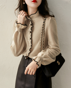 Fashionable women's blouse 2020 autumn simple and elegant knitted cardigan soft and sweet knitted wood ears are thin
