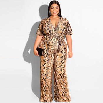 The new plus-size women's fashion sexy v-neck serpentine straight onesie for summer 2019