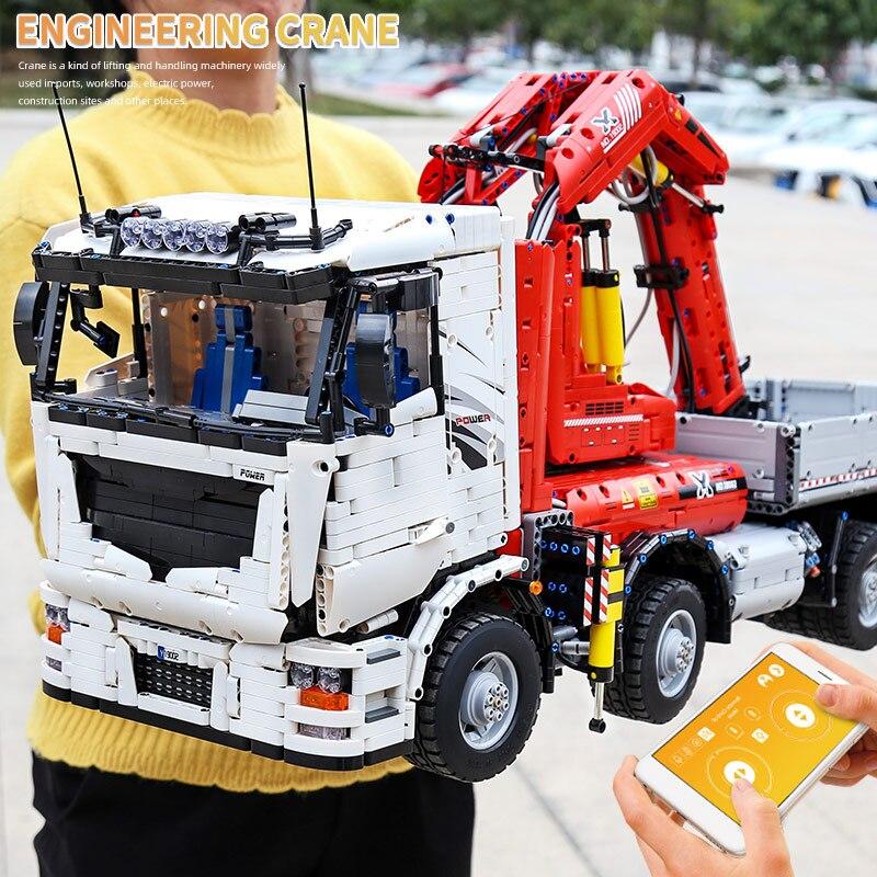 MOULD KING 19002 The MOC-8800 App RC Motorized Pneumatic Crane Truck