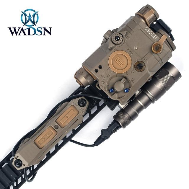 WADSNยุทธวิธีDualฟังก์ชั่นหางความดันปุ่มสวิทช์สำหรับPEQ15 16 DBAL A2เลเซอร์Airsoft Armas M300 M600ไฟ