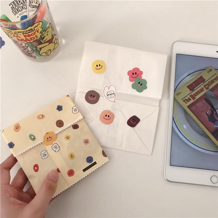 110Pcs/Pack Retro Cartoon Mini Smile Star Label Sticker DIY Craft Scrapbooking Album Junk Journal Planner Decorative Stickers