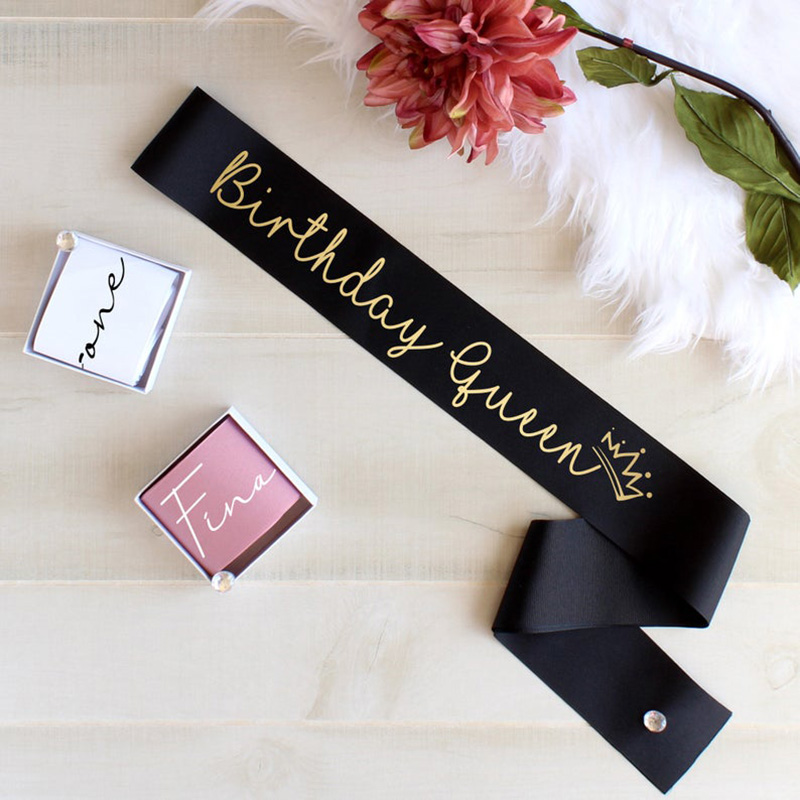 Happy Birthday Queen Girl Sash 15th 16th 17th 18th 19th 20th 21st 22nd 25th 30th 40th 50th Birthday Party Decoration Favor Gift