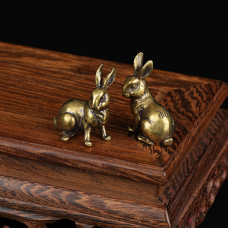 1 Pair Antique Copper Zodiac Lucky Rabbit Statue Ornaments Vintage Solid Brass Animal Miniature Figurine Tea Pet Desk Decoration