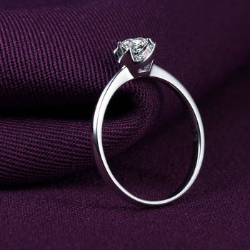1 Carat 18k Gold And White Diamond Engagement Ring  2