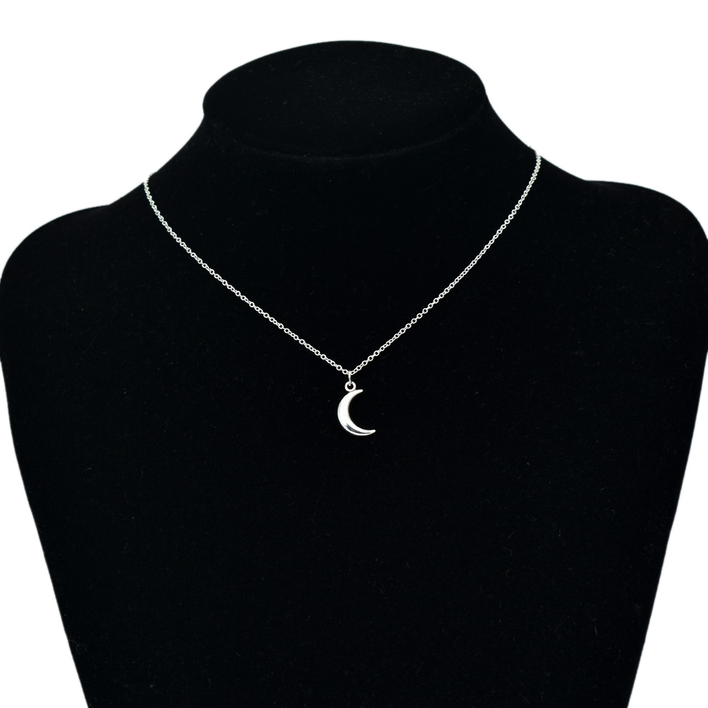Cute Moon Pendant Necklaces For Women Bohemia Silver Color Chain Choker Necklace Simple Jewelry bijoux collares
