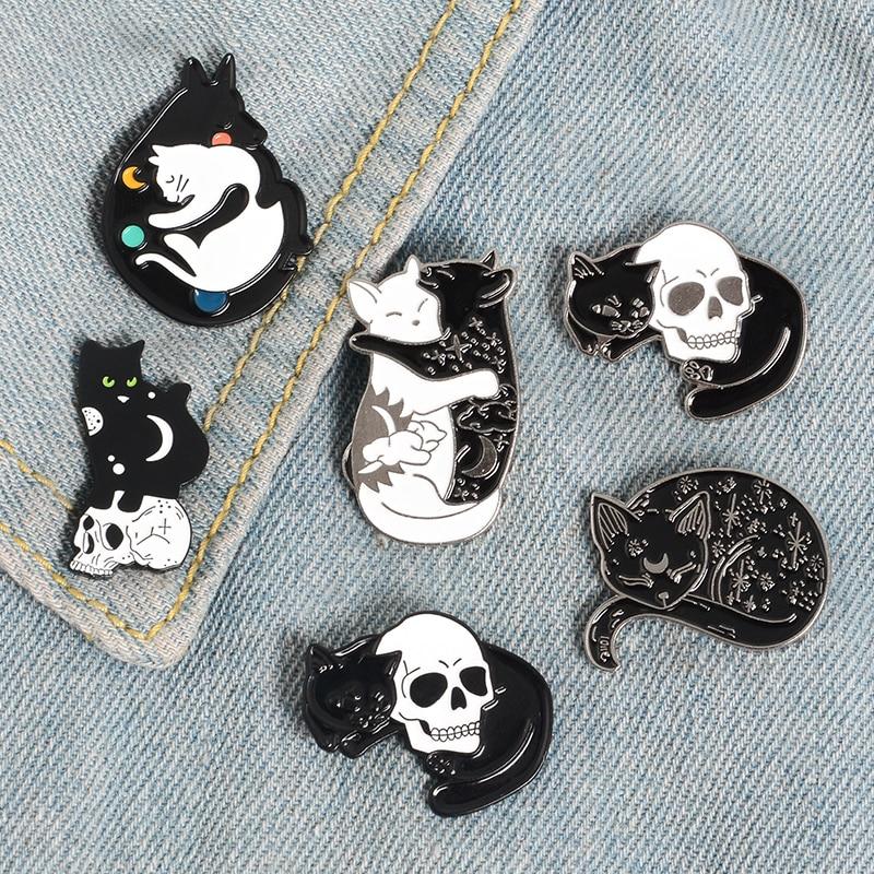 Эмалированная брошь в виде мультяшных животных, панк, черепа, скелета, кота, обнимающего кота, значок из сплава, значок в ковбойском стиле дл...