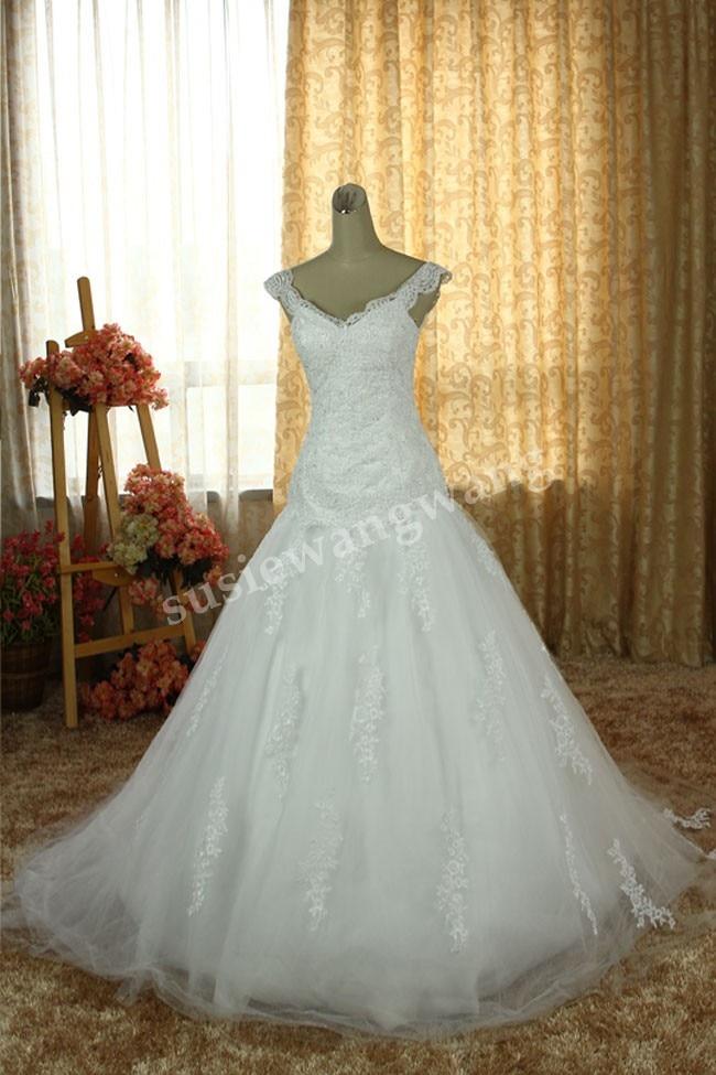 Free Shipping Sexy Romantic 2016 Casamento A-line Appliques Beading Lace V-neck Vestido De Noiva Renda Wedding Dress Bridal Gown