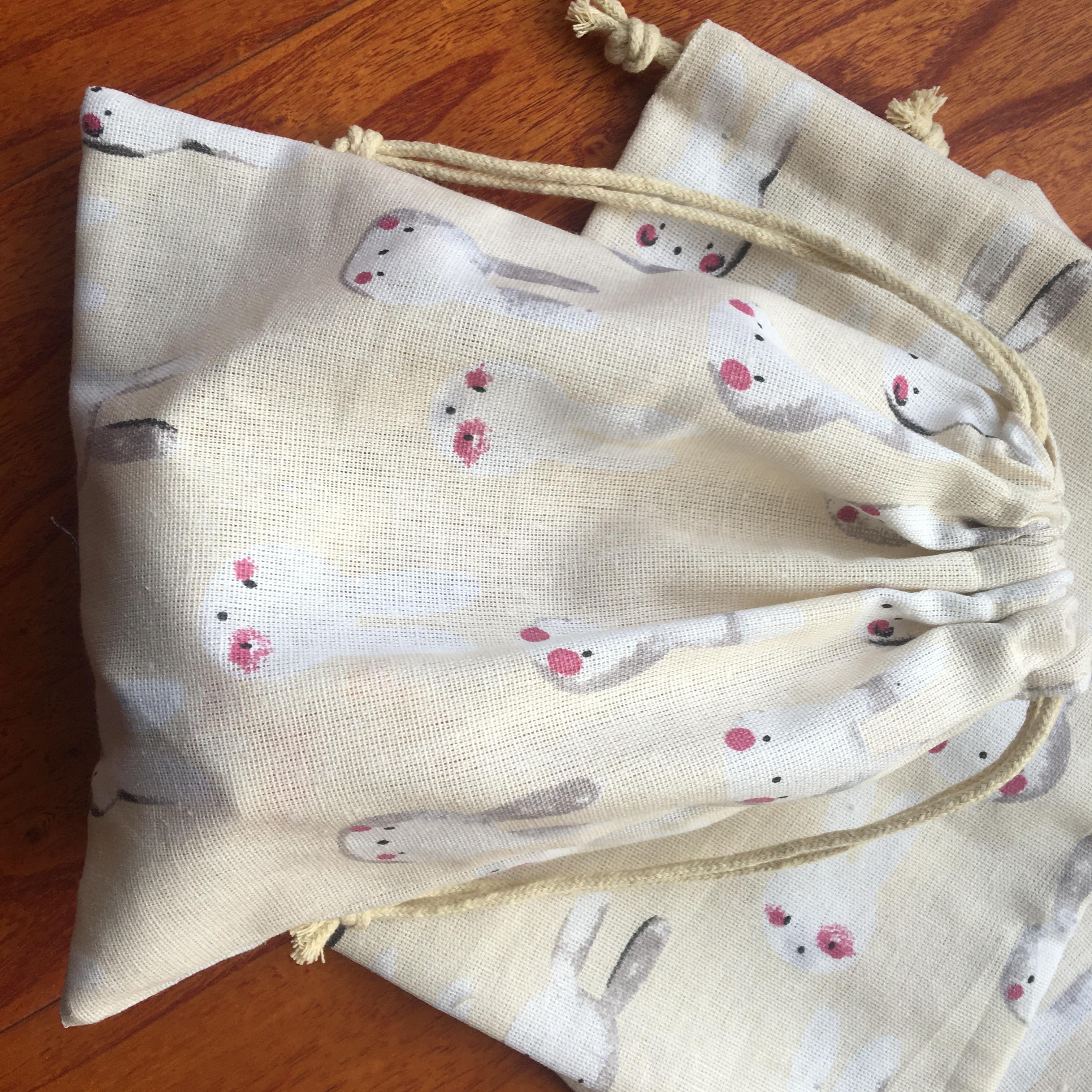 Cotton Linen Drawstring Pouch Multi-purpose Bag Party Gift Bag Print Bunny YILE91105a