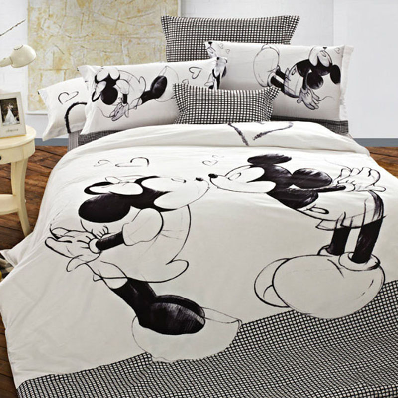 Disney Mickey Mouse Bedding set Mickey and Minnie Duvet <font><b>Cover</b></font> Pillowcases Twin Full Queen King Size Kids bedlinen <font><b>home</b></font> <font><b>Textiles</b></font> image
